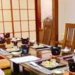 旬亭 - 会社ご接待に、10名様までのテーブル席もございます