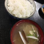 67946739 - 定食のご飯と味噌汁。