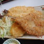 お食事処 かいがん - アジ・イワシ・鯛のフライ