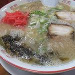 麺屋 多吉 - 辛子高菜ラーメン600円。