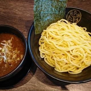 らーめんの麺とつけめん専用に開発された極上麺