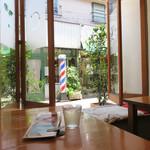 ビーンズカフェ - 今回は、窓際の席を利用しました。