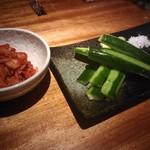 食楽処すみか - キムチと胡瓜のたたき