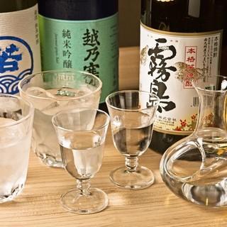 地酒を中心とした充実のお飲み物。会食・接待にも喜ばれる銘柄を