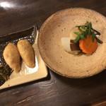 67965698 - 稲荷寿司と小鉢煮物