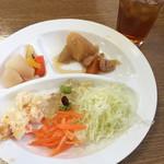 バイキングレストラン 北近江食堂 - 料理写真:サラダ色々、肉ジャガ、豆サラダゼリー寄せ等