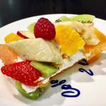 カフェ・コムサ - セゾンフリュイ@フルーツのタルト。フルーツが宝石のようにあふれる