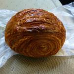 ヴィンチ・パンドーロ - 料理写真:焙煎全粒粉フランスロール