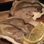 河庄居酒屋 - 料理写真:巨大活カキに歓喜!