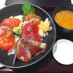 大かまど飯 丼ぶり 寅福 - 料理写真:初鰹とまぐろ4種漬け丼 980円