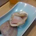 つきぢ神楽寿司 - 焼き蛤1個:970円