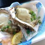 田子の浦港 漁協食堂 - 岩手県産岩牡蠣(500円)