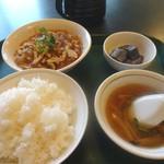 四川料理 名菜楼 - Aランチ(900円+税) 春雨と豚ヘレのうま煮