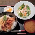 67984123 - 2017.6.3。牡蠣天丼 850円