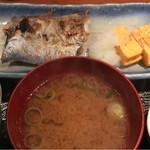 めしの助 - 日替り焼魚定食(太刀魚)