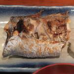 めしの助 - 日替り焼魚(太刀魚)のアップ