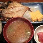 めしの助 - 日替り焼魚定食(金目鯛の干物)