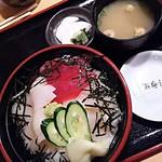 67985882 - 三色丼   1750円