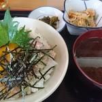 呑み喰い処 奥飛騨 - ネギトロ丼定食(680円)