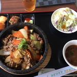 本格韓国料理焼肉 無双 - 石焼きプルコギのランチ