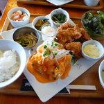 郡山 トンチキてい - 海老マヨチリ+から揚げ定食