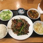 呉園 - レバニラ炒め+ミニ麻婆650円