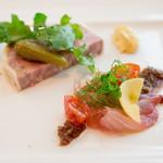 アデニア - 前菜2種類はカンパチのカルパッチョと豚肉の田舎風テリーヌ どっちもいいお味