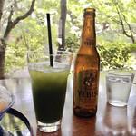 イクスカフェ - グリーンティーに、エビスビール