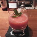 バー フィディック - 苺のカクテル