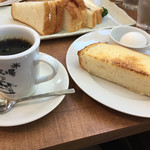 珈琲牧場 - モーニングセット ブレンドコーヒーとトーストとゆで卵