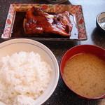 こじま食堂 - きんめ鯛煮魚定食