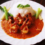 タイ料理 ブアールアン - 料理写真:海老だくさんレッドカレー(日替わりランチ)