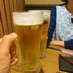 68000798 - ビールで乾杯