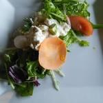 レストラン BIG LOG - 前菜のサラダ。