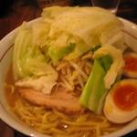 井之上屋 - 醤油らぁめん730円+キャベツ増し100円+煮卵100円