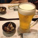 68004765 - お通しの梅貝とビール