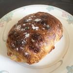 生瀬ヒュッテ - 天然酵母のパン ラクレットとパンチェッタ