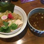 麺屋 蕃茄 - 濃厚魚介つけ麺800円(並盛200g)