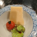 蘭奢待 - (2017年5月 訪問)チーズと野菜。箸休めに良い一品です。