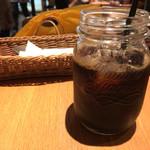 シーズカフェ - セットのアイスコーヒー。ジャーで。