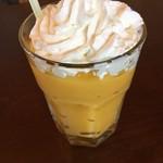やきいも カフェ コタロウ - 食べるフローズンマンゴーシェイク