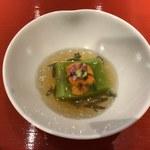 季旬 鈴なり - 料理写真:①えんどう豆のくず豆腐雲丹を添えて