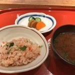 季旬 鈴なり - お食事(シジミの赤出汁と香の物)