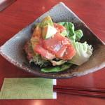 和田 - 料理写真:「鮪とアボカドのわさび和え」