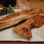 68030262 - 鮭のカブト、ハラス焼き(17-06)
