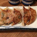 炊き餃子と麺 虎鉄 - 焼き餃子 5個 480円