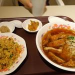 魏飯吉堂 - カレー風味のパイコー麺ランチ