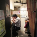 塩生姜らー麺専門店 マニッシュ - 入口~店内