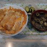 来々軒食堂 - 料理写真:かつ丼(750円)