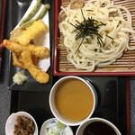 レストラン蒲生野 - 料理写真:天ざるうどん